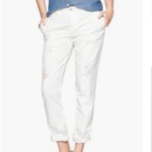 NEW WITH TAG GAP BROKEN IN KHAKIS